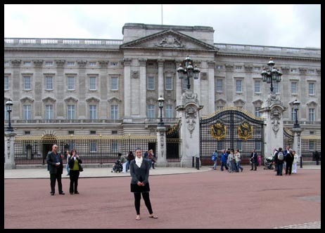 Me infront of Buckingham Palace