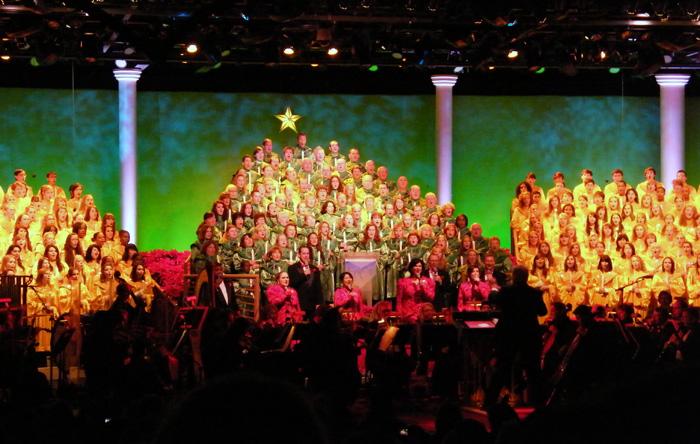 Whoopi Goldberg reading the Christmas Story at Epcot, 2009