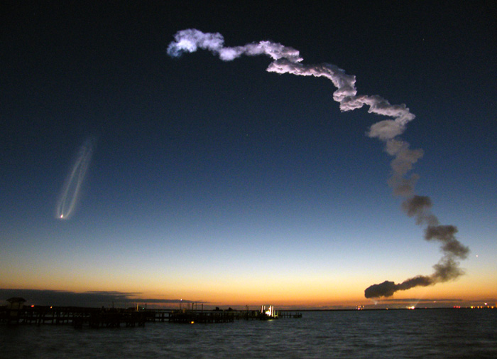 Space Shuttle Discovery Launch, Cape Canaveral, Florida