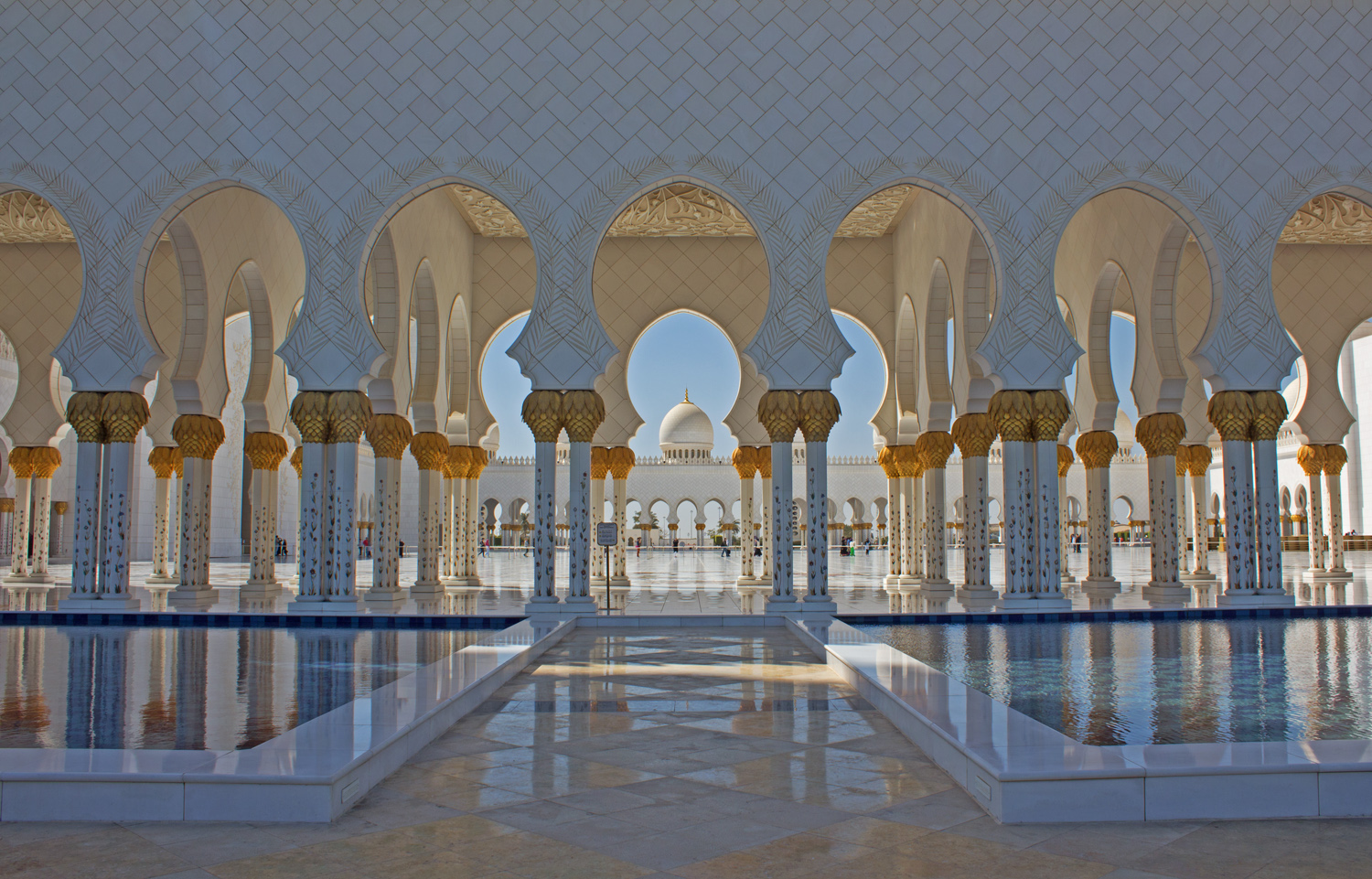 how to get to sheikh zayed mosque